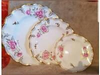 Royal crown derby pinxton roses plates