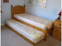 2 foot 6 wide bed with hideaway bed