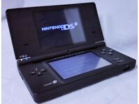 NINTENDO DSI CONSOLE COMES WITH A GAME AND CHARGER / ALL CLEAN FULLY WORKING / CASH OR SWAPS