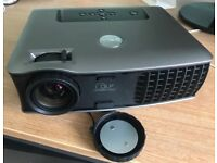 Dell 2400MP Projector - cased and with cables and Owner's Manual