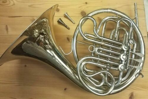 King Musical Instruments 1160 Step UP Double French Horn with Hard Case