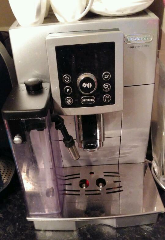 Delonghi bean to cup coffee machine with built in milk feed