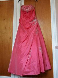 Pink size 6 prom dress / formal dress