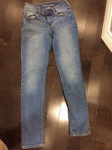 Old Navy mid-rise original size 00 regular jeans.