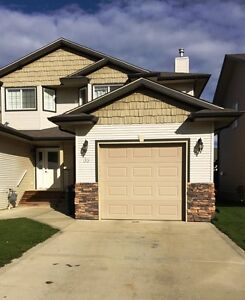 3 bed townhouse with garage in Sylvan Lake! Call us now!