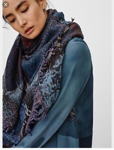 Aritzia/Wilfred haus party blanket scarf-multi