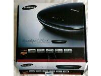 Samsung H1080 Black high gloss DVD player