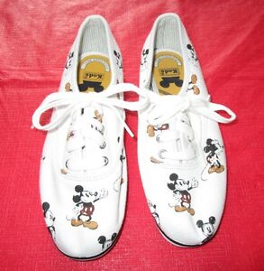 Mickey mouse canvas shoes in size 5 US *NEW (slim fit)