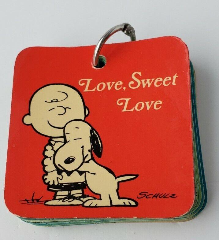"""Vintage Valentine Snoopy Peanuts 1970 Hallmark """"Love Sweet Love"""" key ring book"""