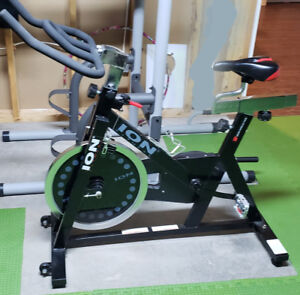 Exercice bike with shoes