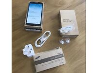 Nearly New Samsung S4, 16 gb,Unlocked to all networks, Boxed