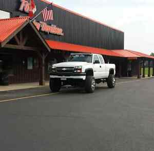2005 chevy silverado duramax 2500 lifted