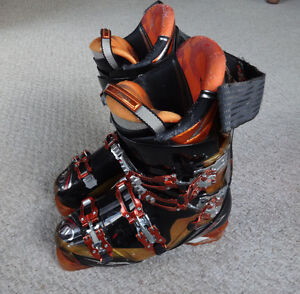 Size 8 Dragon downhill boots