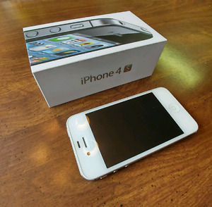 Used Apple iPhone 4S with Box