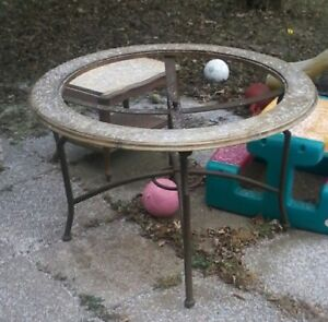 patio table / round table