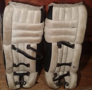 Cooper hockey goalie pads
