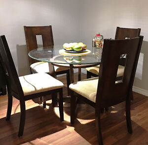 DiNiNg SeT- Great Quality, Excellent Condition