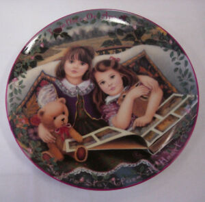 """Close at Heart"" Porcelain Plate"