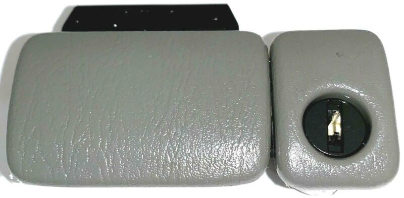 99 00 01 02 03 04 Chevrolet Tracker & Suzuki Grand Vitara & XL7—Glove Box Latch
