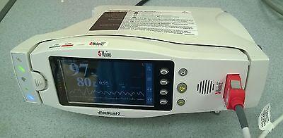 Masimo Radical 7 Rainbow Signal Extraction Pulse Oximeter W  Rds 3 Base  Used