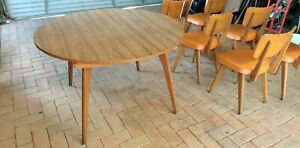 Retro Table Oval/Round
