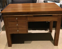 Solid timber desk Tighes Hill Newcastle Area Preview