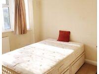Double bedroom in Teddington High street