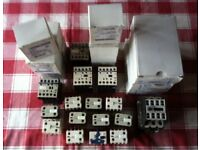 COLLECTION OF 27 ELECTRICAL CONTACTORS & AUX CONTACTS. £ 255 ovno