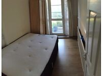 3 SINGLES IN THE SAME FLAT! BROMLEY BY BOW ZONE 2!