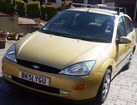FORD FOCUS (FULL YEAR MOT, EXCELLENT CONDITION & VERY LOW MILEAGE)