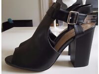 BRAND NEW Black Open Toe/ Cut Out Detail Boots - SIZE 8 - £5 TO GO TODAY