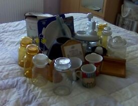 Selection of approx 25 household items including storage jars, food chopper, many more.