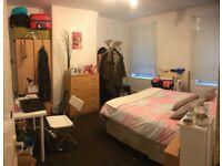 ALDGATE EAST/LIVERPOOL STREET, E1, BRILLIANT 5 DOUBLE BED APARTMENT