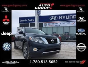 2013 Nissan Pathfinder LOADED WITH LEATHER