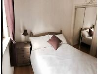 short term let - Cosy spare bedroom available in bright flat for