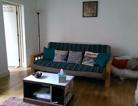 1 bedroom patio flat a few minutes from seafront, Brighton/Hove border