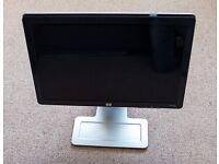 HP w2207 22 inch LCD Monitor - for PC DVI-D VGA USB Xbox 360 - 1680x1050