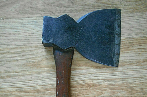 ANTIQUE C&NW CHICAGO & NORTHWESTERN RAILROAD AXE