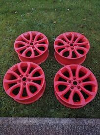 "17"" Nissan Juke or Qashqai alloy wheels in Red"
