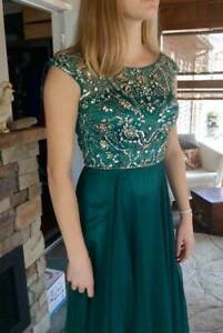 Gorgeous Emerald Green Prom/Formal Dress size 0-2