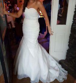 Wedding Dress, mermaid style, stunning, size 14