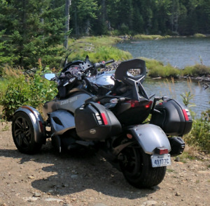 2013 Can-Am Spyder​ ST-S SM5, 10850 km