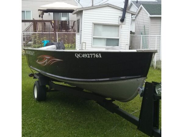 Used 2011 Smoker Craft Inc Voyager 14'
