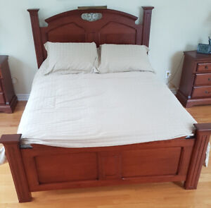 Queen size bed (good quality wood)