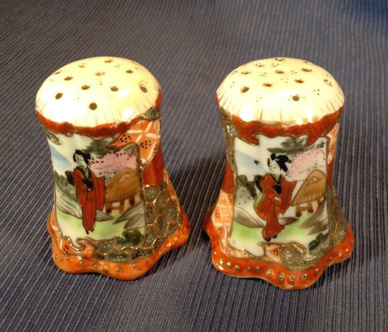 Nippon Satsuma Salt And Pepper Shakers - Hand Painted Red Imari - Geisha - Japan