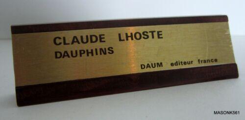 """DISPLAY PLAQUE FOR DAUM FRANCE PATE DE VERRE """"DAUPHINS"""" FIGURE BY CLAUDE LHOSTE"""