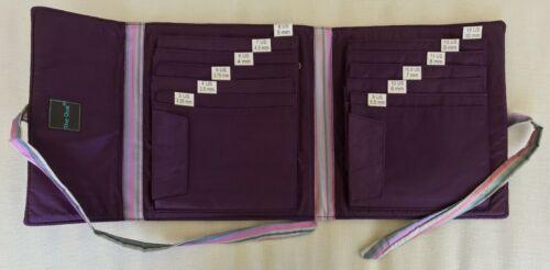 della Q -The Que Lily Circular Needle Case