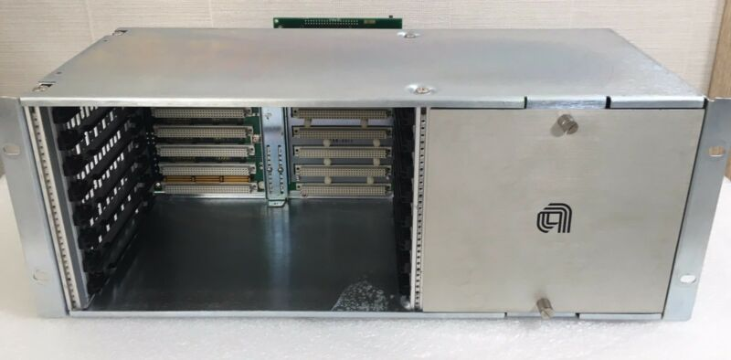 Amat 0660-01635/01634 Vme Chassis  Used