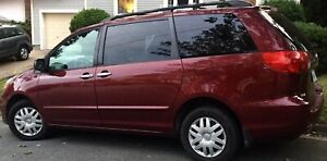 2009 Toyota Sienna CE in good condition