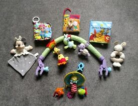 Baby toys for pram